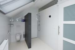 Badkamer met schuifdeur