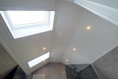 Badkamer-met-bijzonder-plafond-2-van-2